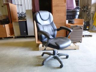(1) Adjustable Office Task Chair