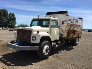 1983 International 1954 S/A Feed Truck c/w Auto, A/C, Harsh 502H Mixer, 11R22.5 Tires.