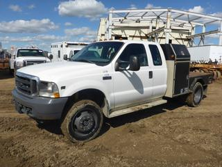 2004 Ford F450 XL Flat Deck Truck 4X4 Dually c/w Triton V10, A/T, A/C, Showing 88,233 KMS, 6' Deck, Storage Boxes, Rear Hitch, Extended Cab, Welding Deck, 225/70R19.5 Tires At 60%, VIN 1FDXX47S54ED42704 (Fichtenberg/Higher Ground Acreage Dispersal)