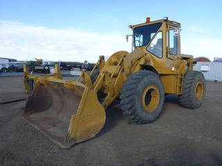 "1974 Caterpillar 950 c/w 4 Cyl Diesel, Cab, Heater, Q/A 102"" Bucket, 20.5-25 At 35%, Showing 1078 Hours, SN 81J6750"