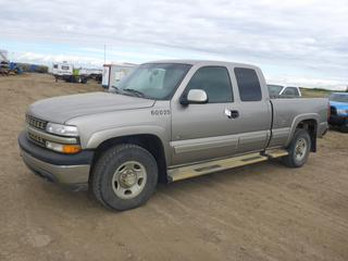 2001 Chevrolet Silverado 2500 4X4 Extended Cab c/w 6.0L, A/T, A/C, Showing 261,047 KMS, 245/75R16 Tires At 50%, VIN 1GCGK29U31Z147582