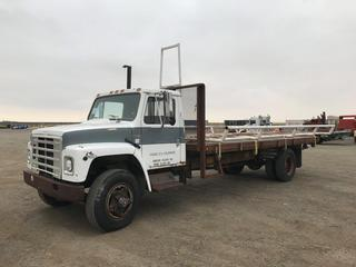 International S1900 S/A Deck Truck c/w DT466 210 HP, Manual Trans, Hyd. Deck, 10R22.5 Tires. Note:  No Serial Number Available.