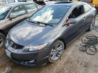 2009 Honda Civic C/w I-Vtech 2.0 DOHC, 4-Cyl, Manual, A/C. VIN 2HGFG21529H100137 *NOTE: Running Condition Unknown, No Key, Sunroof Broken*