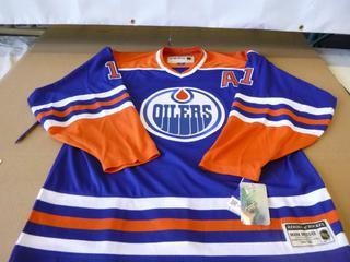 Mark Messier Edmonton Oilers Jersey, Size 54, New w/ Tags (E4-3,1)