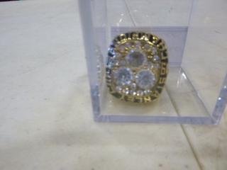 (1) 1984 Wayne Gretzky Edmonton Oilers Replica Stanley Cup Ring (G1)