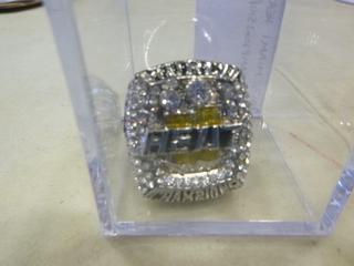 (1) 2013 Miami Heat Replica NBA Championship Ring (G1)
