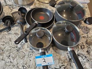 Lot T-Fal frying pans & Pots