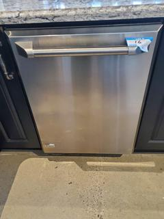 GE Monogram Stainless Steel Dishwasher, Mod. ZBD8900V00II, S/N HZ717980B