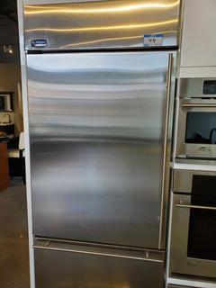"GE Monogram 36"" S/S Top Fridge / Bottom Freezer"