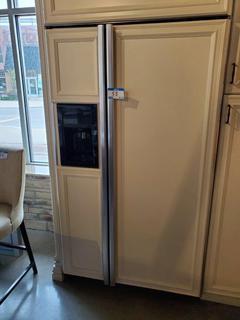 GE Monogram French Door Fridge w/Door Ice & Water Dispenser