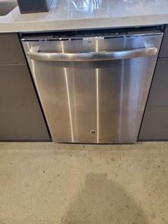 GE Profile Built-In Stainless Steel Tall Tub Dishwasher Stainless Steel, Energy Star Certified.Steam prewash option.Piranha Hard Food Disposer with Removable Filter.3-Digit Countdown Display with 1-12-hour Delay Start.Wash System 102 CLEANING JET System.Bottle Wash Jets.Reversing Quad Blade Wash Arm. Mod. PDT720SSH7SS, S/N AG779822B