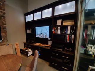 3 Panel Wall Unit w/Led Lighting & Frosted Glass Top Cabinets