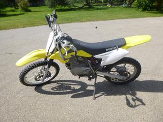 2010 Suzuki 125cc Dirt Bike. VIN JS1DF43B7A2100780