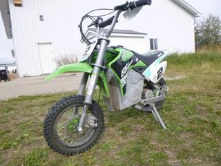Razor SX500 Electric Dirt Bike. *Note: Needs Chain*