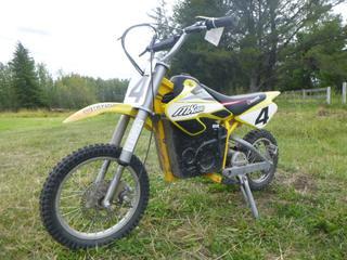 Razor MX650 Electric Dirt Bike. *Note: Needs Battery*