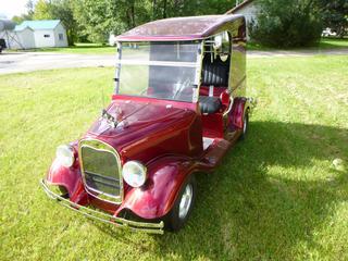 Club Car Custom Built Electric Golf Cart. S/N B9952-833893