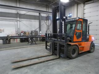 Doosan D70S-5 13,500lb Cap. Forklift C/w Side Shift, 3-Stage Mast, 92in Hyd Forks. Showing 5302.7Hrs. SN P9-00579 *Note: Item Cannot Be Removed Until Noon November 13th Unless Mutually Agreed Upon*