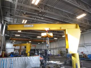 Crane EX 2-Ton Pillar Mounted Jib Crane C/w Remote And Kito 2-Ton Chain Hoist. SN 0268-1 *Note: Buyer Responsible For Load Out*