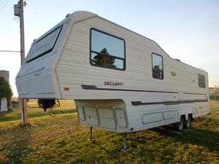 1993 Security SF33 5th Wheel Trailer c/w 235/85R16 Tires At 80%, 2,495 KG Axle Rating, GVWR 4,692, VIN 2S9SFW336P1042968