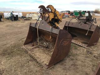 """84"""" WBM Excavator Wrist Bucket To Fit Cat 330 (21.25"""" Ear-to-Ear)."""