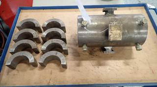 Internal 8in Spindle Bore Holder C/w Inserts