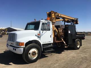 "1990 International 4900 S/A Auger Truck c/w Detroit 466, 15 Spd, Teleking III, Deck, 18"" Auger Bit, Tulsa Winch, 11R22.5 Tires, Showing 157,598 Kms. VIN 1HTSDTVRDLH684126"