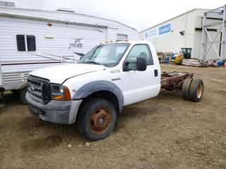 2007 Ford F-550 Super Duty XL Cab and Chassis c/w 6.8L Triton V10, Manual Hub, 225/70R19.5 Tires at 10%, Dually Rears at 20%, VIN 1FDAF57Y07EB10857 *Note: Parts Only*