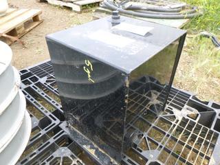 Unused 5 Gallon Hydraulic Tank (Row 1-1)