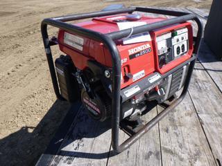 Honda EM2500X Gas Generator (Row 1-1)