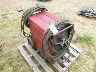 Lincoln Electric Power MIG 255, Includes Leads, Wire and Cord To Plug In MIG, SN K1693-210583 (Row 1-1)