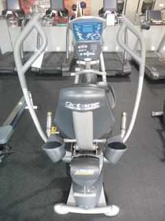 Octane Fitness XR6000 Recumbent Elliptical