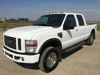 2008 Ford F250 Super Duty Crew Cab 4x4 P/U c/w 5.4L V8, Auto, A/C, Tow Hitch Receiver, Showing 258,701 Kms, VIN 1FTSW21558EC29933.