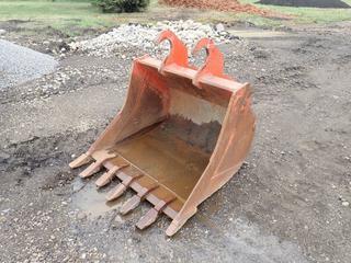 Kubota K9585QC 44in Digging Bucket To Fit Excavator. SN 93809