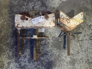 (1) Roller And (1) V Pipe Stand Heads