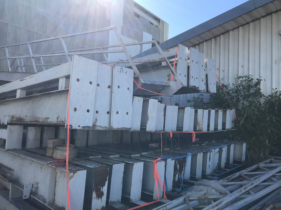 Steel Structure 66'x260'x25' High. Consists of (28) Columns and (14) Girders. Buyer Responsible For Load Out.