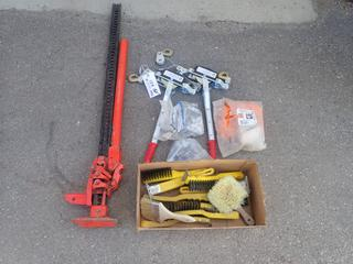 (2) Hand Cable Winches C/w Qty Of Steel Brushes, Delta Fasteners And Jackall