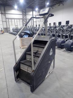Stairmaster 7000PT Stepmill. SN 20010080306062