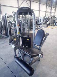 Matrix Leg Extension Machine w/ 260lb Max Weight Cap. SN G2GM08A0604018D *Note: Plastic Cracked*
