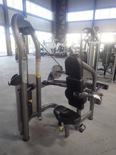 Matrix Seated Dip Machine w/ 207.5lb Max Weight Cap. SN G2GM13A0507006