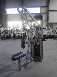 Matrix Seated Row Machine w/ 305lb Max Weight Cap. SN G2GM20A0509024D