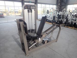 Life Fitness Seated Leg Press Machine w/ 395lb Max Weight Cap. SN PSSLPSE-PR02000001025