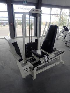 Life Fitness Seated Leg Press w/ 395lb Max Weight Cap.