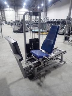 Life Fitness SL10 Seated Leg Press Machine w/ 395lb Max Weight Cap. SN 102074
