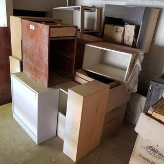 Qty Of Assorted Size Cabinets