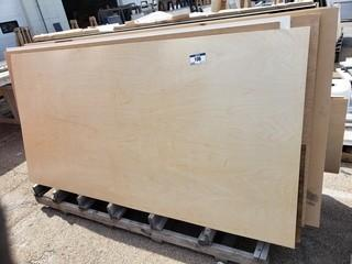 Qty Of Assorted Size Pieces Of Plywood C/w Wood Rack