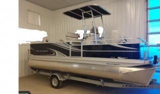 2015 APEX 820 Pro Pontoon Boat S/N 1ZEACGRB3FA013267. Keys in Office.
