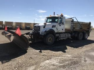 2009 Mack Granite T/A Gravel Truck c/w Mack MP8, Auto, A/C, Midland XL1000 14' Gravel Box, Tarp, Tenco 12' 4 Way Plow, Plumbed For Pup Showing 378,816 Kms. S/N 1M2AX09C69M006111, County Unit Note:  There is a ten percent (10%) Buyers Premium with NO CAP on This Lot.