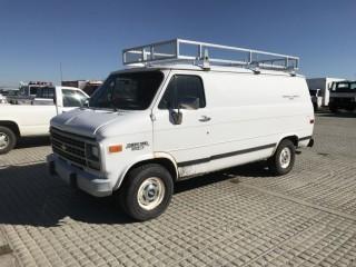 1995 GMC 2500 Cargo Van c/w 5.0L, Auto. S/N 1GCEG25H3SF134299. Requires Repair.