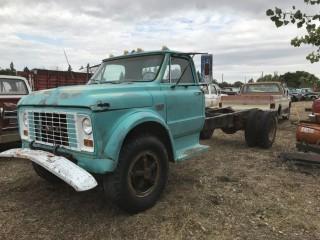 1967 GMC 960 3 ton C&C c/w V8, Standard 2 Spd Axle, Not Running. S/N C9E6371104602.