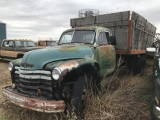 Chev Model 1700 Maple Leaf 3 Ton c/w Box & Hoist. Not Running, Parts Only. S/N 1178314499.